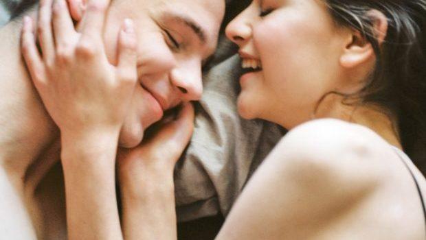 Ești pregătită pentru prima experiență sexuală?